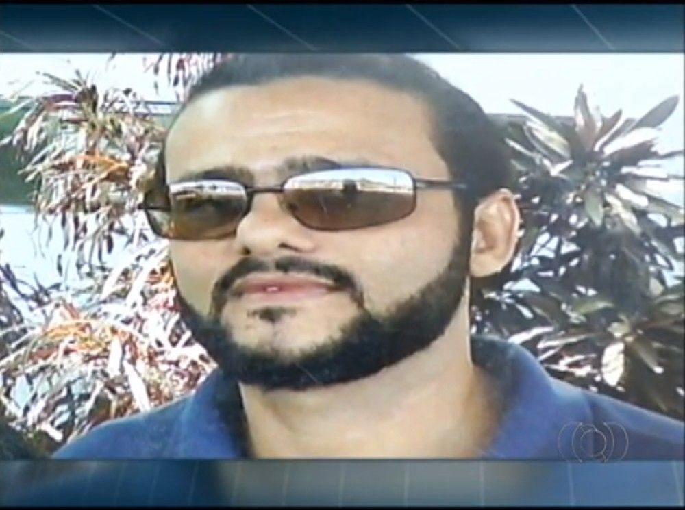 Taxista foi assassinado na quadra 106 Norte, em Palmas — Foto: Ana Paula Rehbein/TV Anhanguera