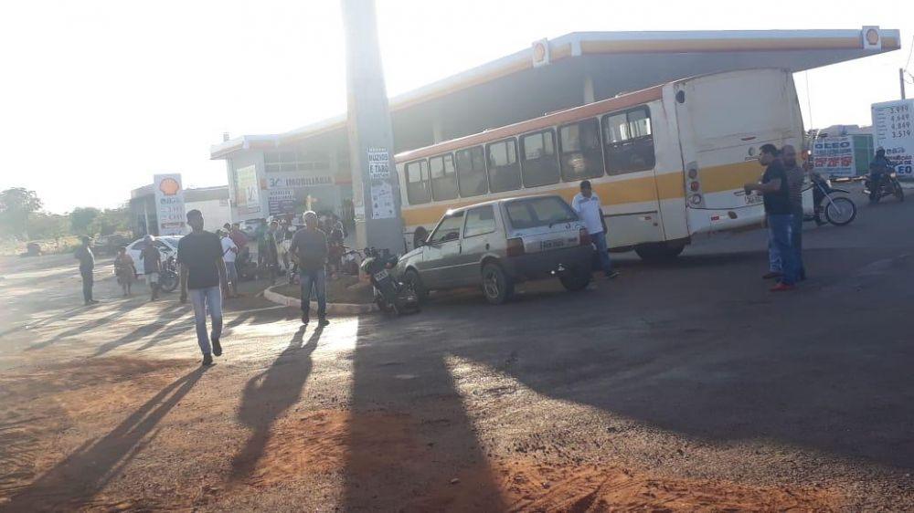 Ônibus envolvido no acidente no Distrito de Luzimangues – Foto: Redação/Agência Tocantins