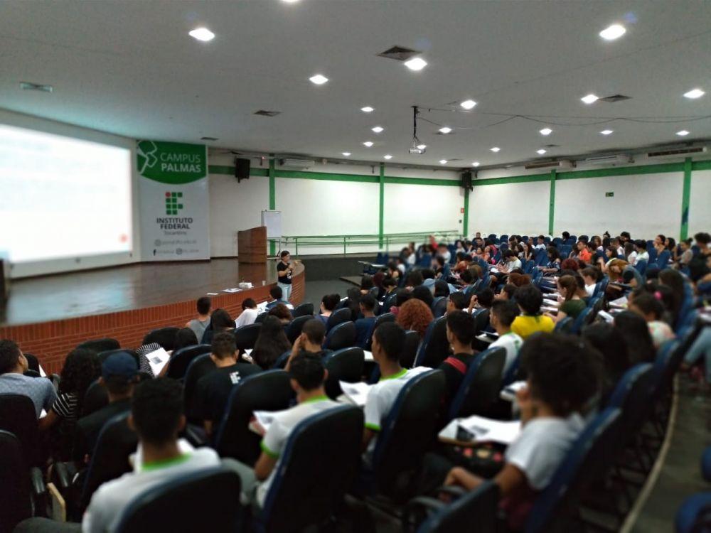 As aulas de preparação para o Exame Nacional do Ensino Médio (Enem) serão realizadas aos sábados às 14h no auditório do Instituto na capital – Fotos: Divulgação