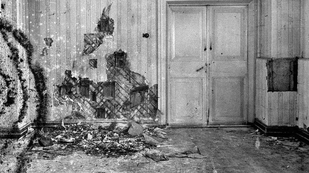 Bolcheviques dispararam contra os Romanov no sótão da casa em que a família estava escondida - Foto: Heritage Images / BBC News Brasil