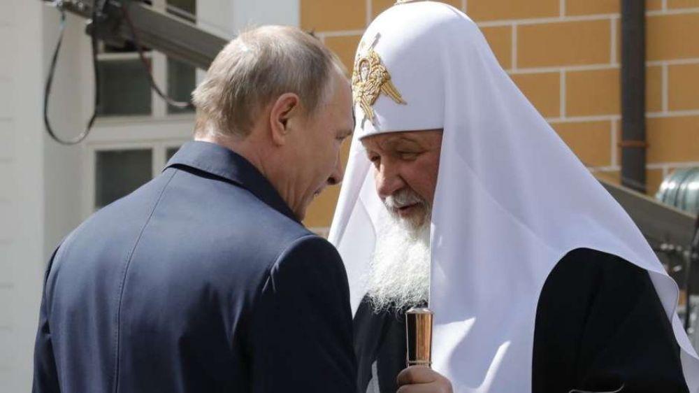 Sob Putin, Estado e Igreja têm se reaproximado, mas poderes ainda têm posicionamentos diferentes sobre o destino dos restos mortais reais - Foto: Getty Images / BBC News Brasil