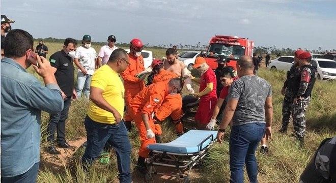 Bombeiros encontram jornalista Romano dos Anjos em região de mata – Foto: Divulgação Bombeiros