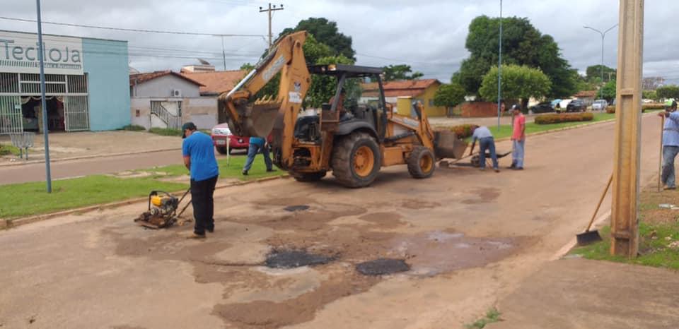 Operação tapa buraco atendeu pedido do parlamentar Igor Baracho - Foto: Divulgação