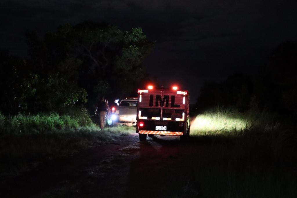 O criminoso ainda não identificado foi alvejado, ele não resistiu aos ferimentos e morreu no local, o corpo foi levado para o IML de Palmas – Foto: Alessandro Ferreira / Agência Tocantins