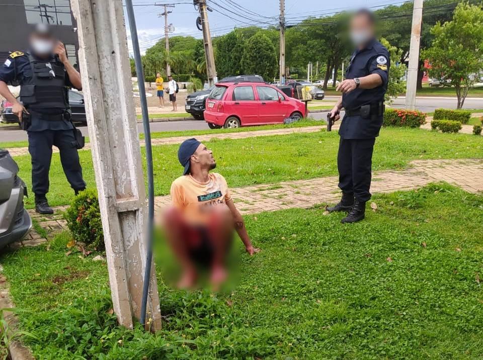 O tiro atingiu uma das pernas criminoso que posteriormente foi levado para o Hospital Geral de Palmas – HGP – Foto: Foto: Alessandro Ferreira / Agência Tocantins
