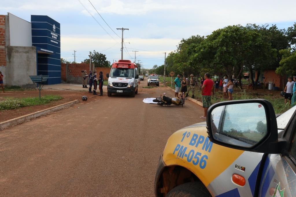 O acidente foi registrado na frente de uma Igreja Evangélica no setor Parque dos Burutis em Luzimangues -– Foto: Alessandro Ferreira / Agência Tocantins
