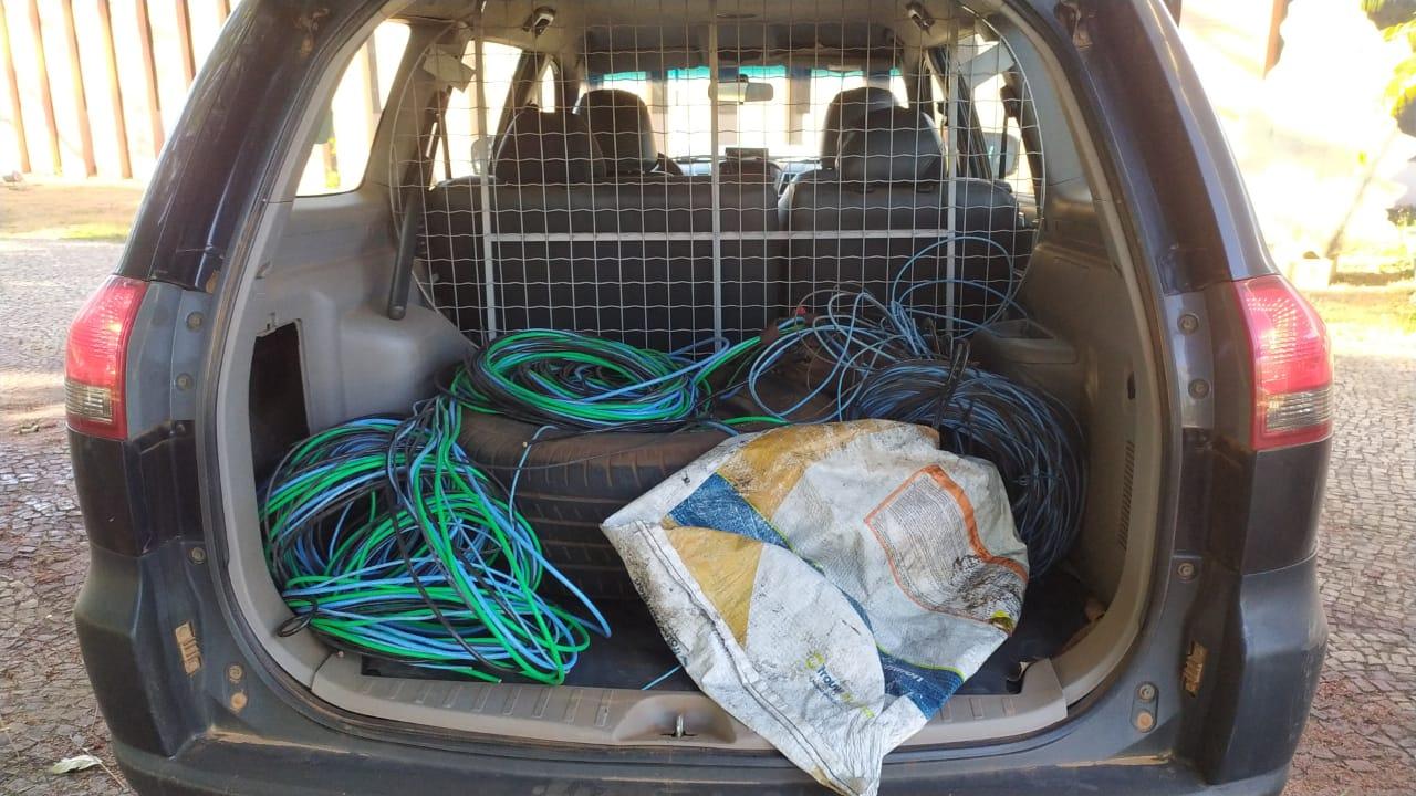 Fios e cabos elétricos recuperados pelos patrulheiros da Guarda Metropolitana de Palmas – Foto: Alessandro Ferreira / Agência Tocantins