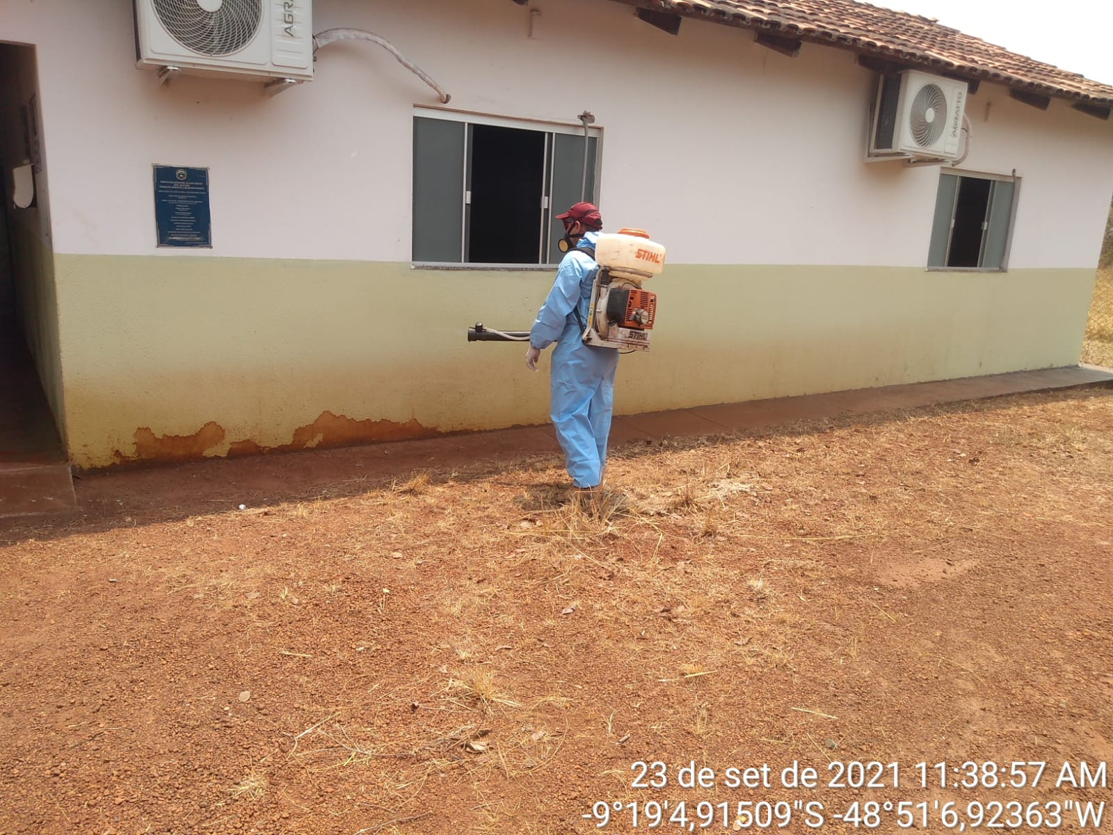 Parte externa da Escola Machado de Assis também foi sanitizada - Foto: Ascom/Divulgação