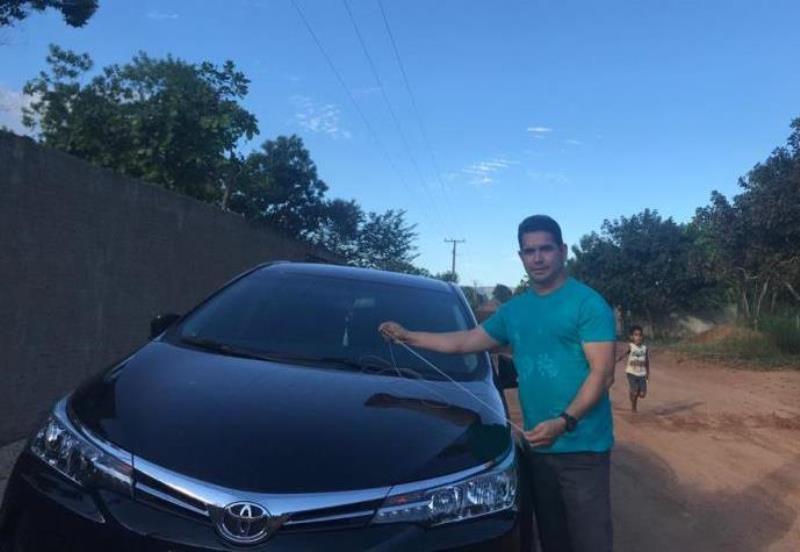 Vereador Gerson Alves tem seu carro danificado por linha de cerol ao dirigir em Palmas