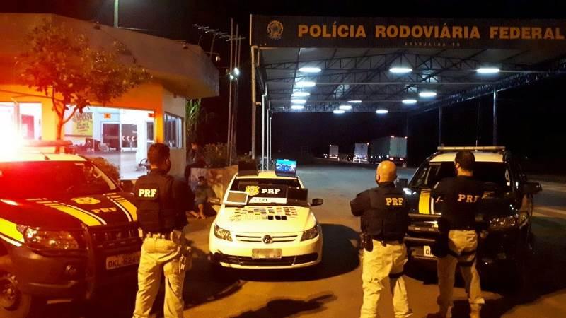 Suspeitos de tráfico de drogas e estelionato são presos na BR-153 com 58 cartões bancários