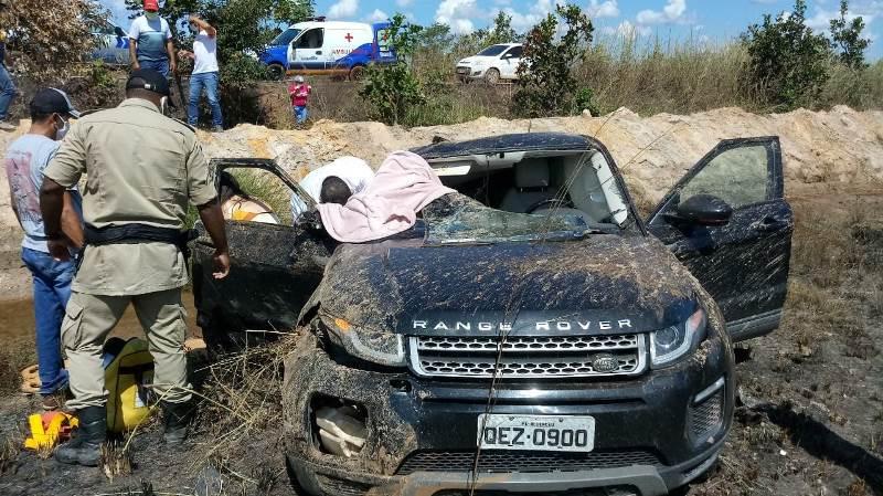 Uma criança morreu após ser lançada para fora do veículo - Foto: Edson Gilmar / Agência Tocantins