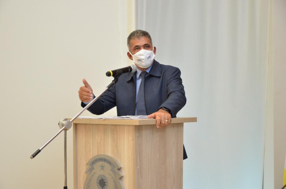Milton Neris durante discurso na Tribuna da Câmara de Palmas – Foto: Mariana Ferreira/Divulgação