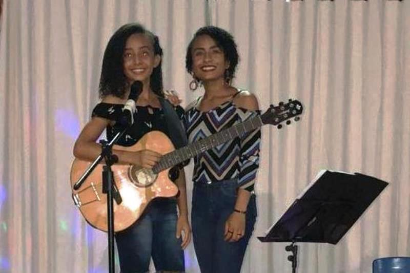 Dupla sertaneja de irmãs tocantinenses pede apoio para seguir sonho de cantar profissionalmente