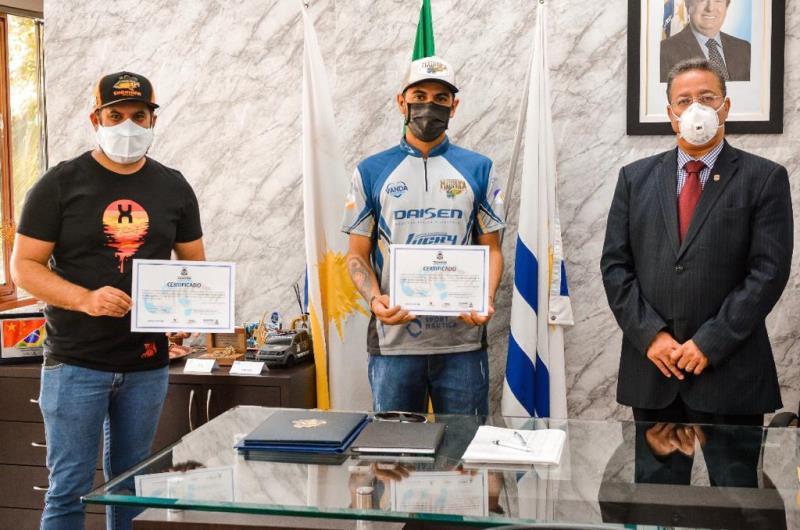 Participantes de capacitação para condutores de pesca esportiva recebem certificados